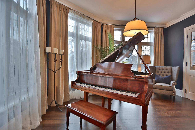 4-piano-3